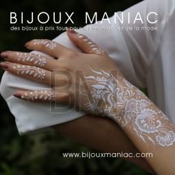 Tattoo floral blanc