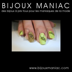 Déco ongle Plumes paon vert